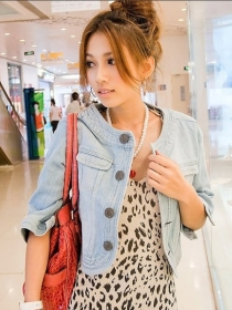 Charming Wholesale Buttons Open Faded Short Denim Jackets