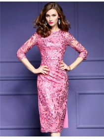 Quality Fashion O Neck Flowers Embroidery Pleated Bodycon Long Dress