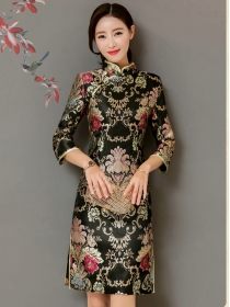 Retro Women Fashion Flowers Embroidery Slim Cheongsam Dress