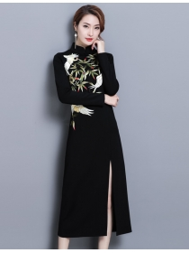 Retro Wholesale Flowers Embroidery Split Slim Long Dress