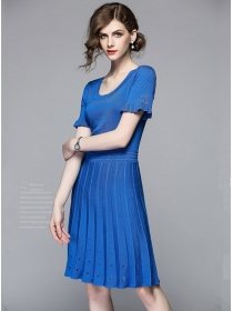 Summer Fashion 2 Colors Round Neck Pleated Knitting Dress
