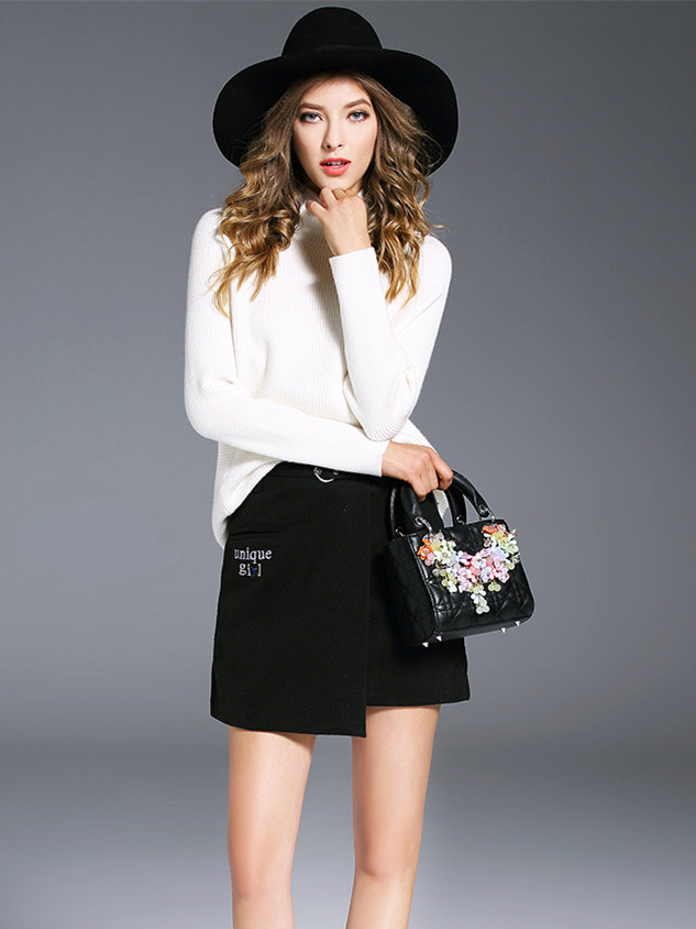 British Fashion High Collar Letters Sweater with Woolen Skirt