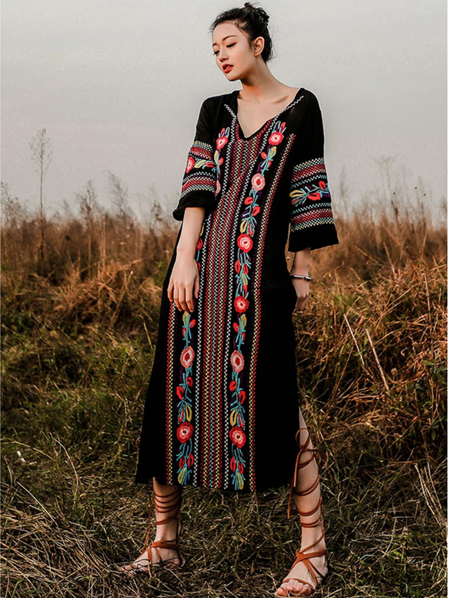 Wholesale Stylish 3 Colors V-neck Flowers Embroidery Maxi Dress