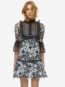 British Fashion Tying Collar Hollow Out Flowers Lace Dress