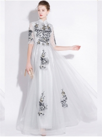 Fashion Lady 2 Colors Flowers Embroidery Evening Dress