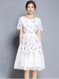 Fairy Europe Round Neck Flowers Embroidery Chiffon Dress