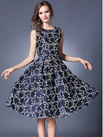 Autumn New Fitted Waist Jacquard Flowers Sleeveless Dress