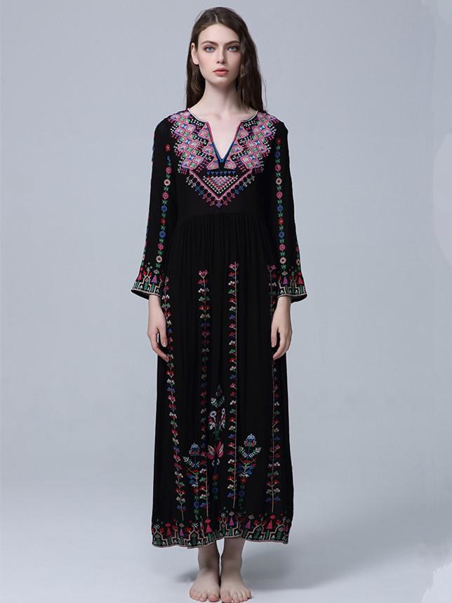 Quality Fashion Flowers Embroidery V-neck Vocation Dress