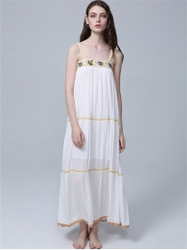 Bohemia Fashion Flowers Embroidery Straps Vocation Maxi Dress