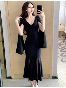 Quality Fashion V-neck Flare Sleeve Fishtail Skinny Dress