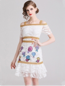 Lovely Europe Boat Neck Feathers Flowers Embroidery Slim Dress