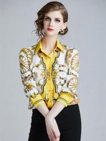 Wholesale Fashion Turn-down Collar Flowers Blouse