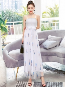 Modern Lady High Waist Feathers Embroidery Straps Maxi Dress