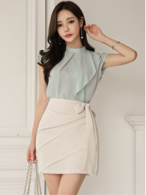 Flouncing Chiffon Blouse with Bowknot Waist Pleated Skirt