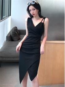 Wholesale Fashion V-neck Pleated Skinny Tank Dress