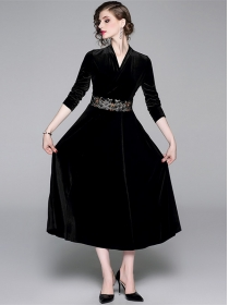 Quality Fashion V-neck Embroidery Waist Velvet Long Dress