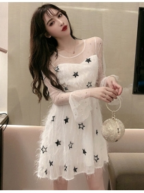 Pretty Lady 2 Colors Stars Tassesl Gauze Flare Sleeve Dress