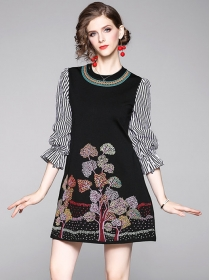 Hot Selling Stripes Sleeve Flowers Embroidery A-line Dress