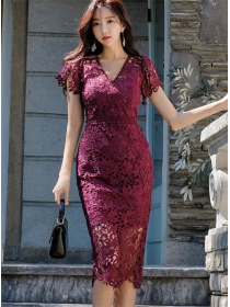 Elegant Fashion V-neck Hollow Out Lace Slim Dress