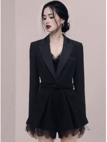 Modern New Tailored Collar Lace Splicing Short Jumpsuit