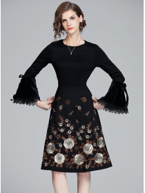 Quality Wholesale Flowers Embroidery Flare Sleeve A-line Dress