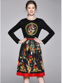 Europe Retro Round Neck Flowers Printings A-line Dress
