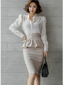 Modern Lady V-neck Puff Sleeve Blouse with Flouncing Midi Skirt
