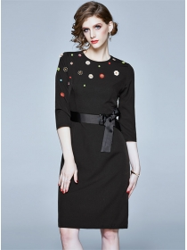 Boutique Fashion Beads Embroidery Round Neck Slim Dress