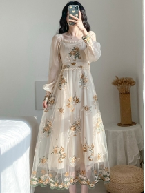 Retro Charming Flowers Embroidery Gauze Fluffy Dress
