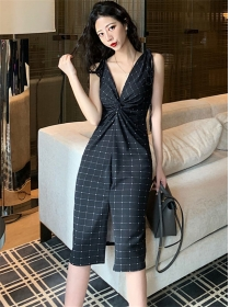 Modern Lady Twisted V-neck Plaids Straps Dress