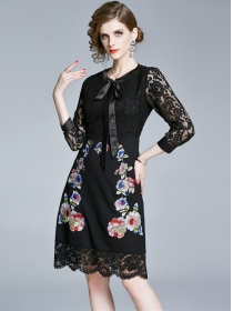 Europe Stylish Tie Collar Flowers Embroidery Lace Dress
