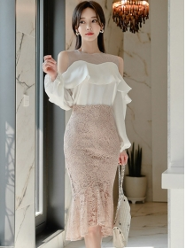 Grace Off Shoulder Flouncing Blouse with Lace Fishtail Skirt