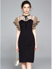 Europe Stylish Dots Flouncing Shoulder Bodycon Dress
