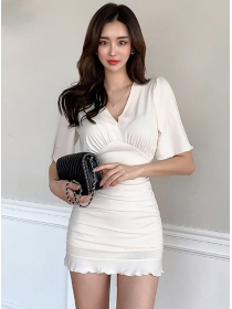 Wholesale Korea V-neck Fitted Waist Pleated Fishtail Dress