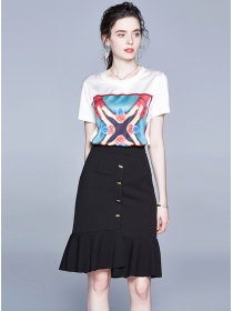 Modern Lady Printings T-shirt with Fishtail A-line Skirt