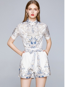 Retro Fashion Stand Collar Flowers Short Two Pieces Suits