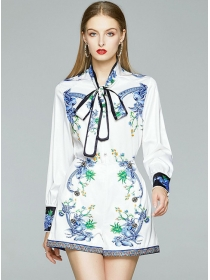 Fashion Flowers Tie Collar Long Sleeve Blouse with Short Pants