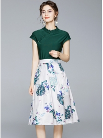 Europe Retro Slim Short T-shirt with Flowers A-line Skirt