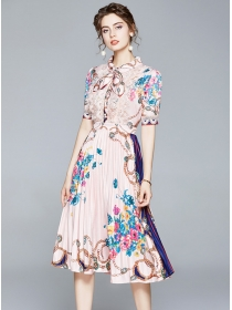 Charming Europe Tie Collar Flowers Pleated Long Dress