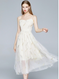 Europe Fashion Embroidery Gauze Fluffy Straps Dress