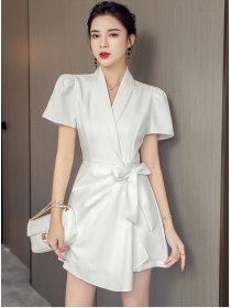 Summer New Tailored V-neck Tie Waist Short Jumpsuit