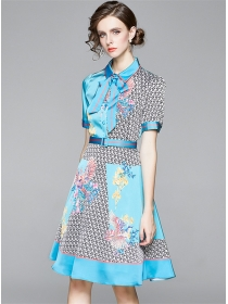 Europe Charming Tie Collar Flowers Short Sleeve Dress