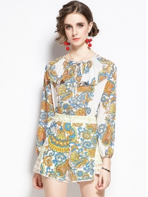 Europe Charming Flouncing Collar Flowers Short Suits