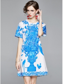Europe Wholesale Round Neck Blue Flowers A-line Dress