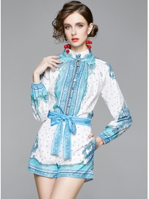 Europe Stylish Stand Collar Flowers Loosen Short Suits