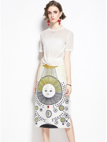 Pretty Lady 2 Colors Twisted Blouse with Cartoon Skirt