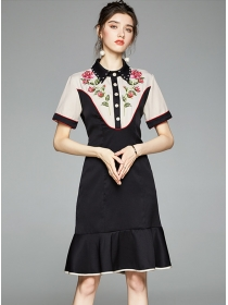 Europe New Beads Collar Embroidery Fishtail Slim Dress