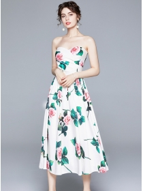 Europe Stylish Pleated Padded Bust Flowers Strapless Dress