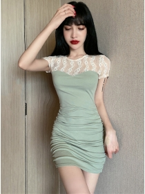 Wholesale 2 Colors Lace Flowers Splicing Pleated Dress