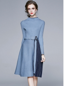 Wholesale Autumn 2 Colors Stripes Pleated Knitting Dress